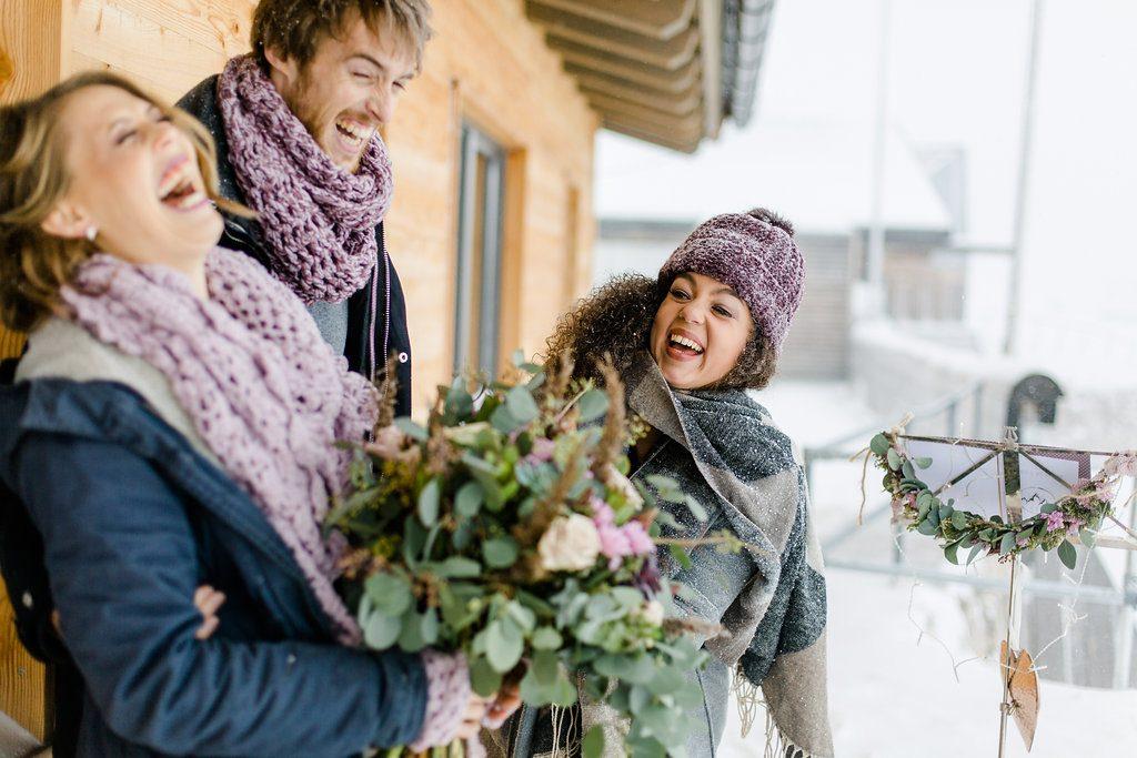 #hochzeit #durchbrennen #hochzeitzuzweit #hochzeit #styledshoot #heiraten #winterhochzeit #emotionen #hochzeitsplaneriniminterview #interview